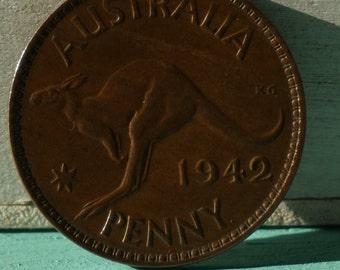 AUSTRALIA - Large Kangaroo Coin 1942