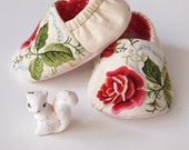 Baby Booties Embroidered Red Rose Cotton Fabric Slippers Sherpa Fleece Inner Sole size 6-9 months