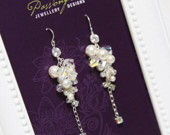 Wedding earings, pearl drop earings, crystal bridal earring, crystal cluster, chandelier earings, Swarovski wedding jewlery. JESSICA Cream