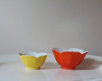 Vintage Lotus Bowls - Pair of Nesting Lotus Dishes - Orange and Yellow Flower Bowls