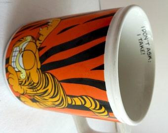 1978 Garfield Ceramic I Don't Ask ; I Take!  Coffee Mug