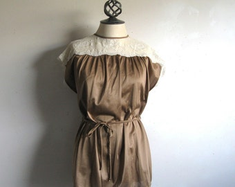 Vintage 1980s Lace Top French Maid Bronze Cream Lace Sleeveless Blouse Large
