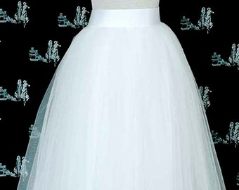 White Tulle Skirt. Wedding tulle skirt. Tea length tulle skirt. Women Tulle skirt.