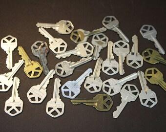 Vintage Keys -  House Keys - Silver & Brass Keys (Lot of 26)
