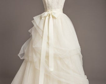 "Creamy White Wedding Sash - 2"" - Romantic Luxe Grosgrain Ribbon Sash - Wedding Belt, Bridal Sash, Bridal Belt - Wedding Dress Sash"