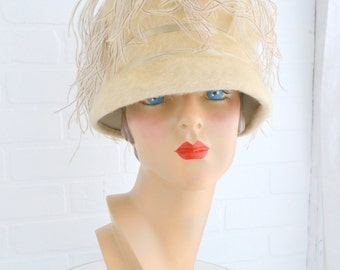 1960s Cream Ostrich Feather Hat