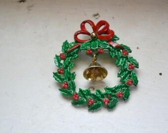 1980s Holiday Wreath Brooch