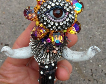 Earth Eye Goddess Beadwork by Betsy Youngquist