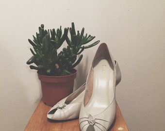 SALE 1980s Baby Blue Heels - size 8.5