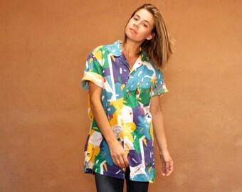 HAWAIIAN 90s SLOUCHY style IKAT pattern short sleeve womens shirt