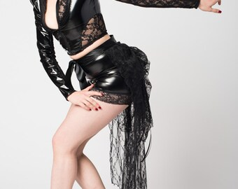 Vanta Black Lace Bustle