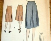 Vogue 5519 Skirt with Inverted Pleats Panel or Pleat Back Womens Misses Easy Vintage 1940s Sewing Pattern Waist 30 Hip 39 Unprinted Complete