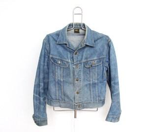 Vintage Lee Sanforized Denim Jean Jacket Mens Large Womens Boyfriend Trucker Light Wash Faded Distressed Trashed Made In USA