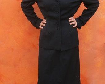 Vintage 1940s women's WWII black Gabardine Wool Suit Coat Jacket and Skirt. embroidered arrows. Russeks. Medium. Size 10 12