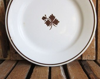 Dinner Plate - Tea Leaf Pattern - Royal Ironstone China - Alfred Meakin - England