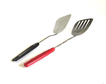 Small Angled Ames Spatula USA, Small Red Plastic Handle Slotted Spatula Japan