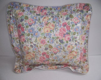 WHITESALE - LAURA ASHLEY Sycamore Quartet Toss Cushion Decorator Throw Pillow - Blue Pink Yellow Roses Floral - Shabby Chic Cottage Bedding