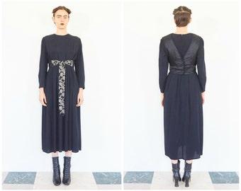 90s Subtle Black Long Sleeve Midi Dress