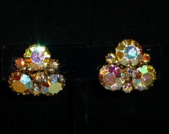Vintage Weiss Clear Aurora Borealis Sparkling Clip Earrings, Gorgeous !