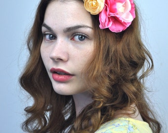 Flower Hair Clip Fascinator in Pink and Peach - Floral Hair clip - Flower Headpiece - Pink Fascinator - Pink Hair Clip - Festival Hair Clip