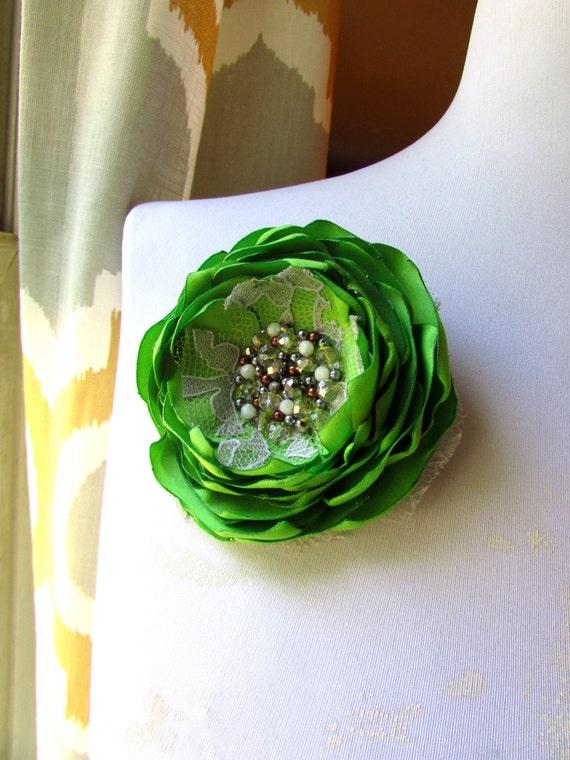 Green Fabric Flower Pin, Green Bridal Hair Clip Flower Fascinator for Dress Belt, Green Flower Brooch, Green Silk Flower Accessory Wedding