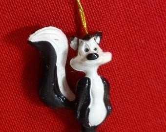 Pepe Le Pew Miniature PVC Christmas Tree Ornament ~ Vintage Looney Tunes Skunk Holiday Decor