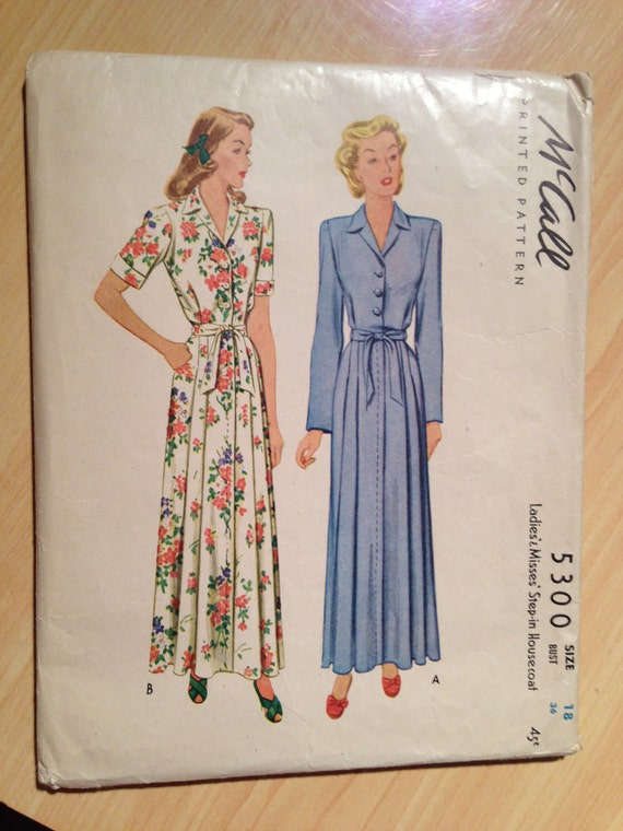 McCalls 5300 40s Sewing Pattern Ladies and Misses Step In Housecoat Size 18
