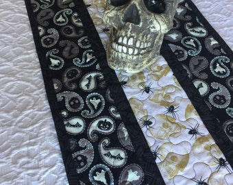 Halloween Table Runner Quilt, Spiders, Ghosts, Skulls Table Topper Quilt, Black, White, Glow in the Dark, Quiltsy Handmade