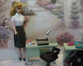 Miniature Typewriter Vintage Mad Men Look Metal 1:6 Barbie Blythe Play Scale LIMITED