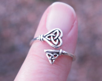 Vintage 925 Sterling Silver Celtic Triquetra Ring