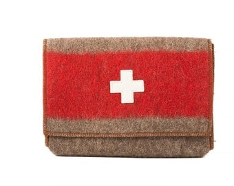WD235 Swiss Army Blanket Cable / Accessory Sleeve by Karlen Swiss