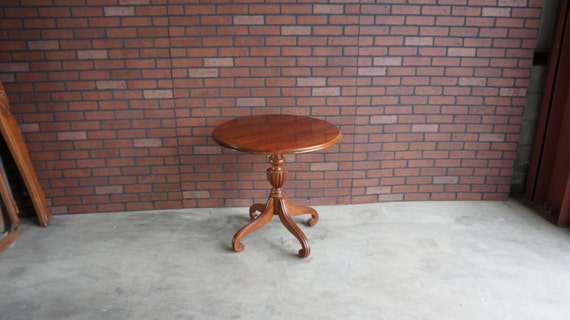 Greyhound Shipping Quote >> End Table / Round End Table / Pedestal End Table / Regents