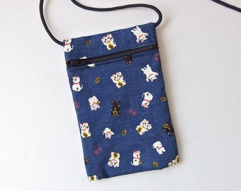 Pouch Zip Bag BLUE Japanese CAT Fabric. Cell Phone Pouch. Maneki Neko, lucky cats. Walkers, markets, travel bag. small fabric purse.