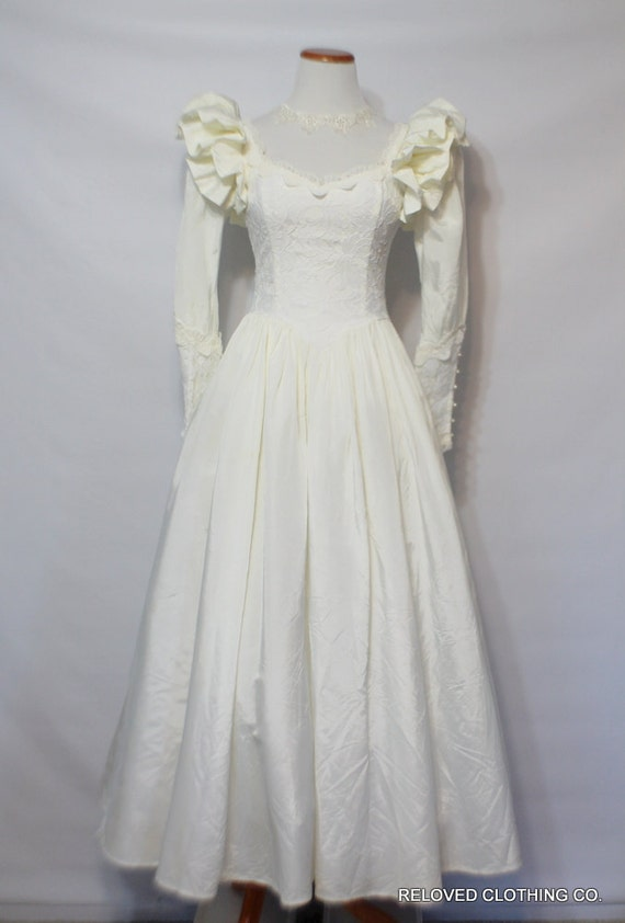 Vintage gunne sax by jessica mcclintock wedding dress lace for Jessica mcclintock wedding dresses outlet