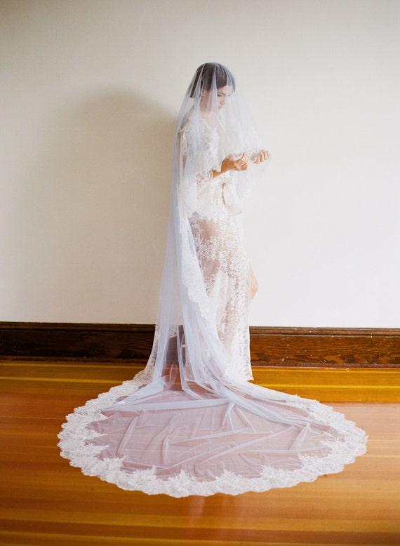 EVERMORE Blue Bridal Veil