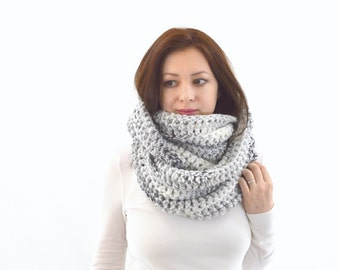 Chunky Infinity Scarf | The Zurich