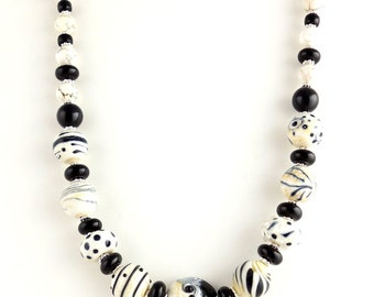 White and Black Modern Beaded Lampwork Necklace, Fashion Jewelry, Gifts, Lampwork Jewelry, Modern Abstract Necklace