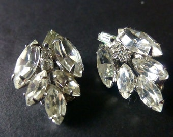 Weiss clear Rhinestone earrings c 1940-1971