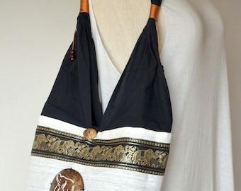 White Elephant Embroidery Shoulder Bag Cotton Bag Hippie Bag Boho Bag Messenger Bag with A Coconut Shell Button