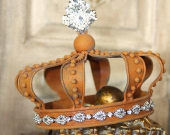 Rustic crown