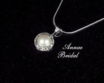 "Bridal jewelry, wedding, White pearl and rhinestone pendant necklace, Swarovski, silver ""Classy"" necklace in white pearl"
