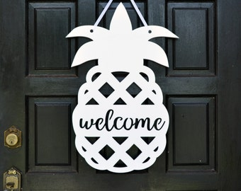 Pineapple Door Hanger // Pineapple Welcome Sign // Front Door Decor // Pineapple Decor