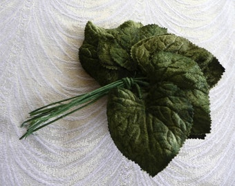 Velvet Leaves Millinery Green Heart-Shaped Bunch of 12 for Crafts, Hats, Scrapbooking, Headbands, Hair Clips 7LS0010G