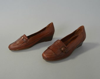 1970s dark brown leather buckle wedges - size 9