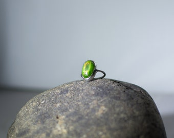 FREE SHIPPING  Green Stone Ring. Size 6.5