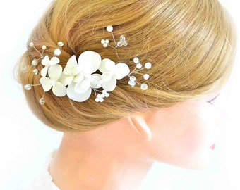 Bridal hair comb Floral headpiece in ivory Bridesmaid headpiece Hair comb First Communion Bridesmaid hair accessories