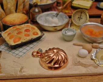 Vintage Styled Petite Copper Mold 1:12 Scale Miniature Dollhouse Kitchen Accessory