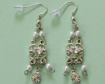 Bridal Style Earrings *dangle earrings,lightweight earrings,elegant,wedding jewelry,gift ideas,for her,bridesmaid,women fashion,silver