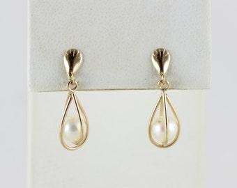 14k Yellow Gold Pearl Dangle Drop Earrings