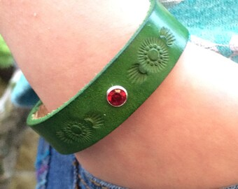 Green leather diffuser bracelet - hand tooled design with red gem accent - personal diffuser bracelet ready to use with essential oils
